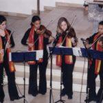 Streicher und Querflöte bei einem Auftritt in Gilching